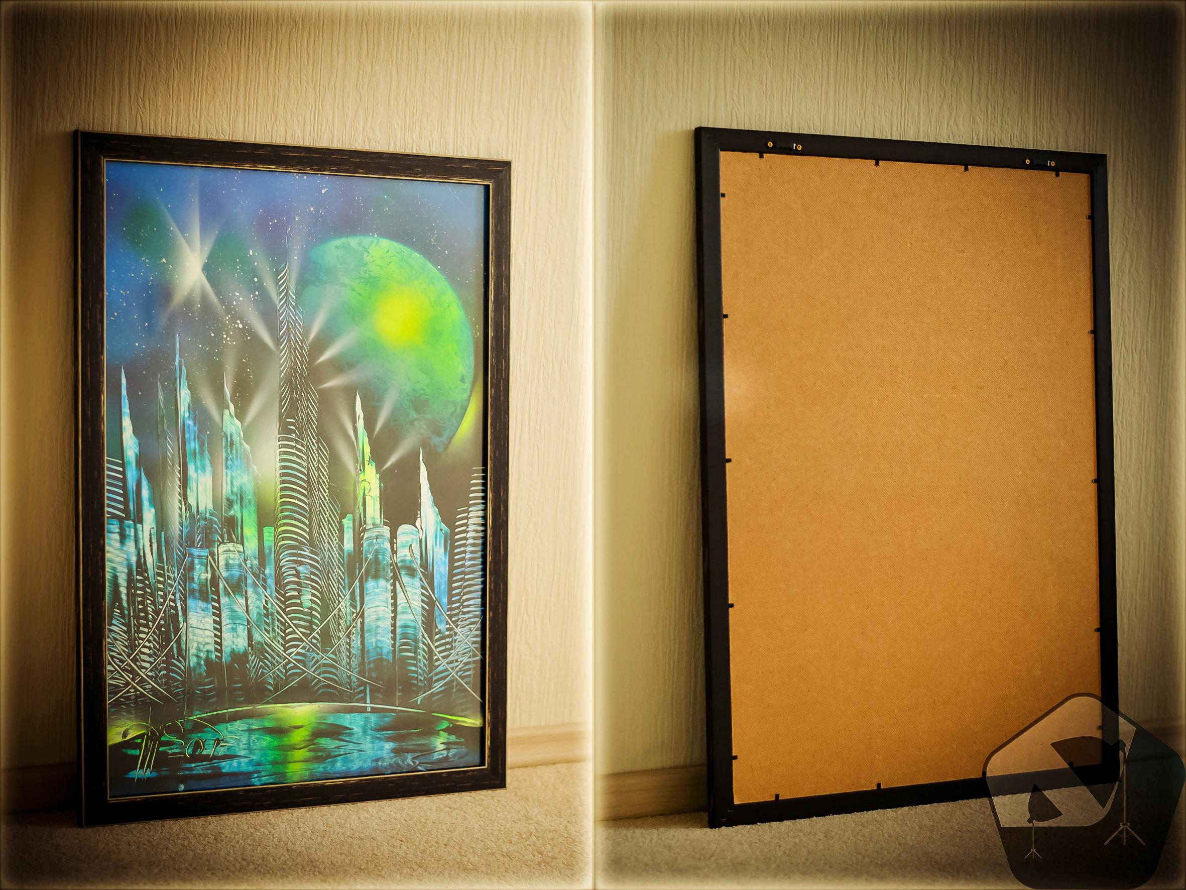 Рисунок аэрозольными красками, оформленный в багет со стеклом 50х70см = 1500 руб.